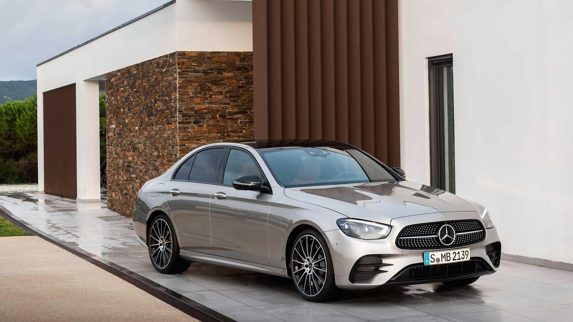 Mercedes neuves en stock